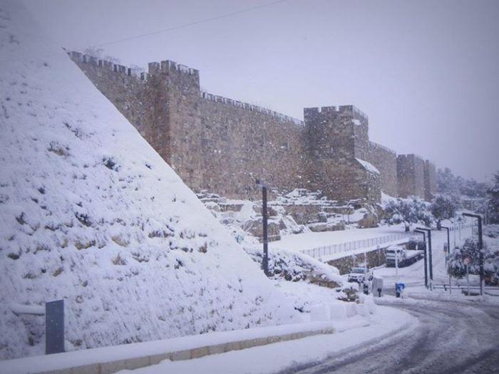 schnee-Jerusalem-Stadtmauer