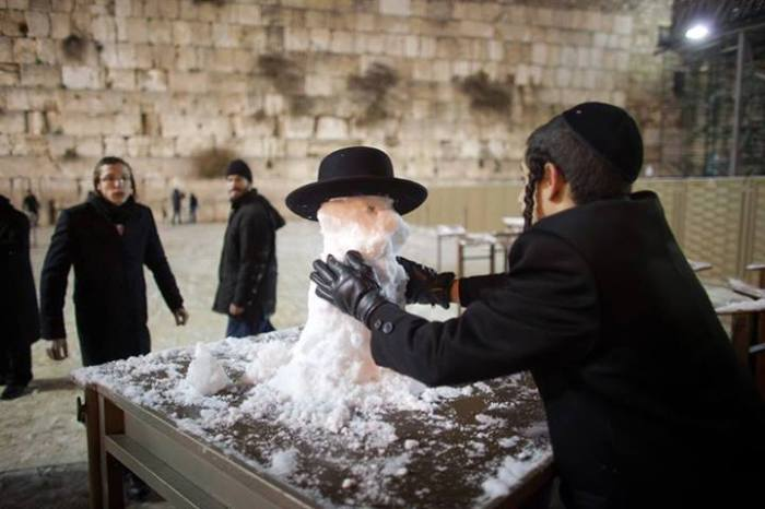 schnee-Jerusalem_Kotel-Hareidi