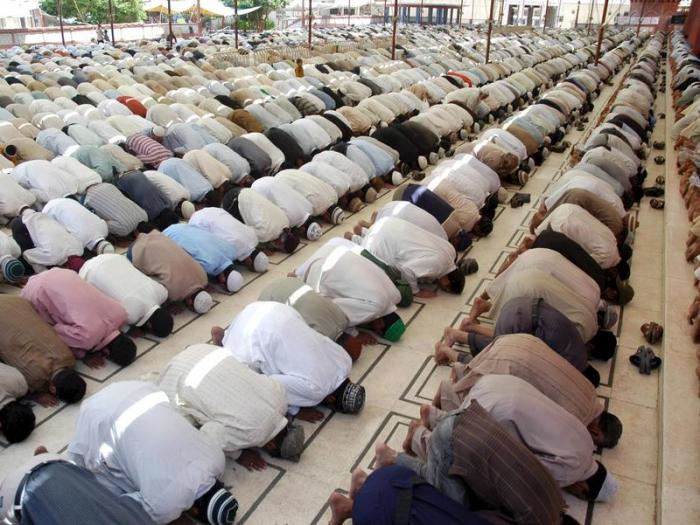 Parade-Allahbeter2
