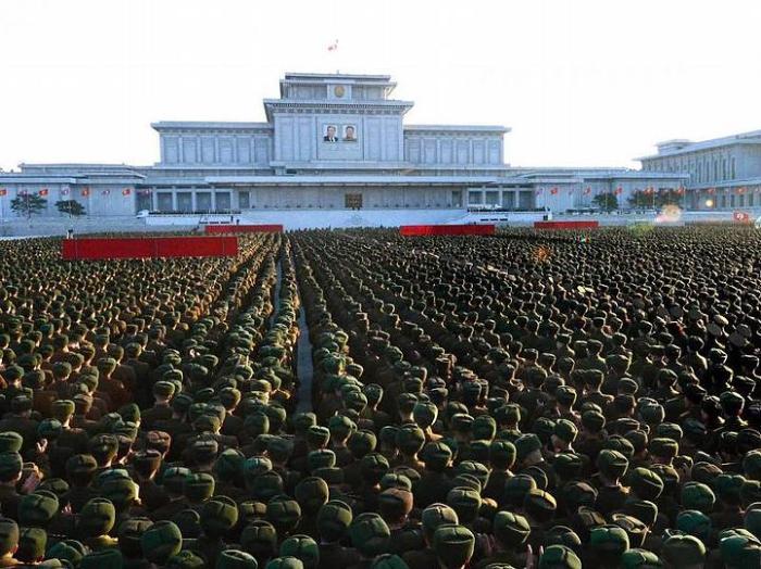 Parade-Kommunisten.NKorea1