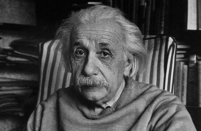 9xIsrael10_Albert_Einstein_at_Princeton