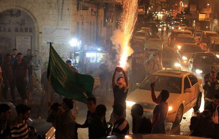 Pallis-feiern-TA-Anschlag