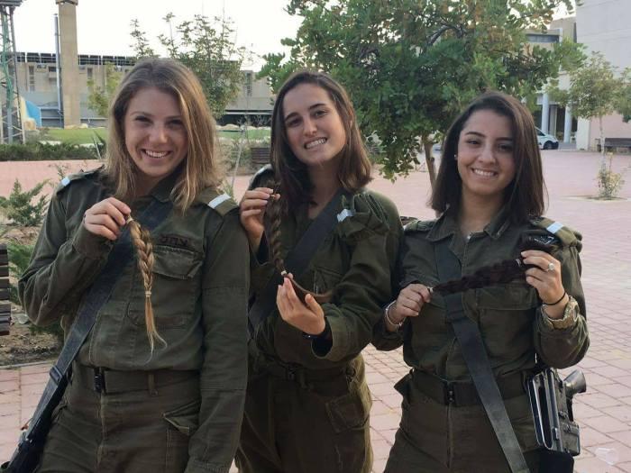 israel_soldatinnen-spenden-haare